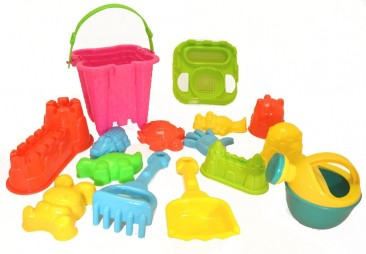 15-Pieces Beach Sand Toys Set in a bag with zipper for the Summer games